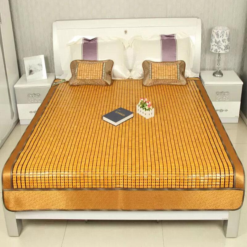 Chiếu trúc 1m6 phù hợp hơn khi được trải trên giường, tạo cảm giác sang trọng, thoải mái khi sử dụng