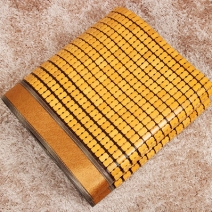 Chiếu trúc hạt có viền màu vàng Size 1m4x1m9